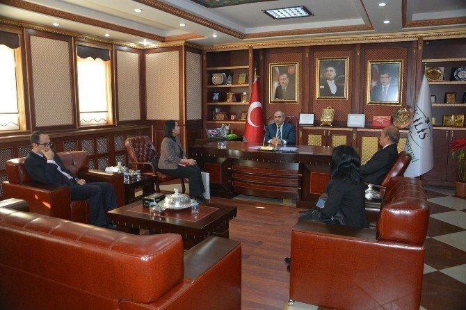 Endonezya Büyükelçisi Wardana, Belediyeyi Ziyaret Etti