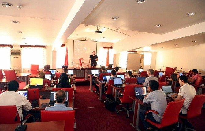 Eyüp Belediyesi, Pardus İşletim Sistemine Geçiş Yapmaya Hazırlanıyor