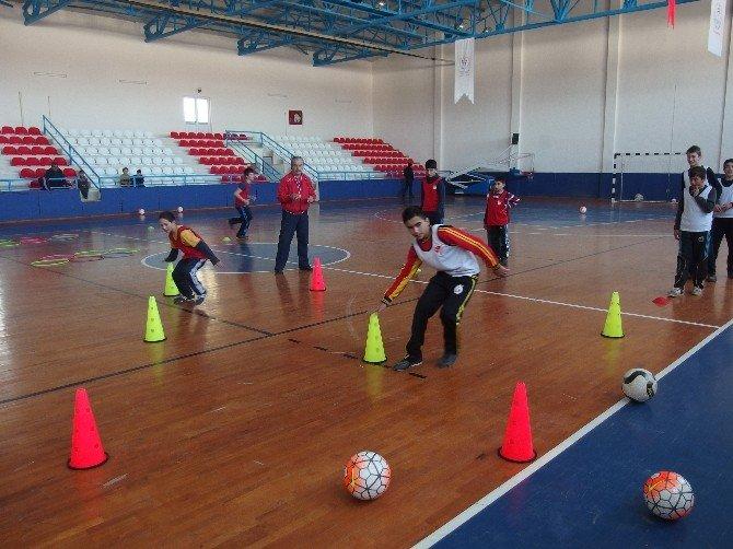 Futbol Eğitim Projesi Daday'da Devam Ediyor