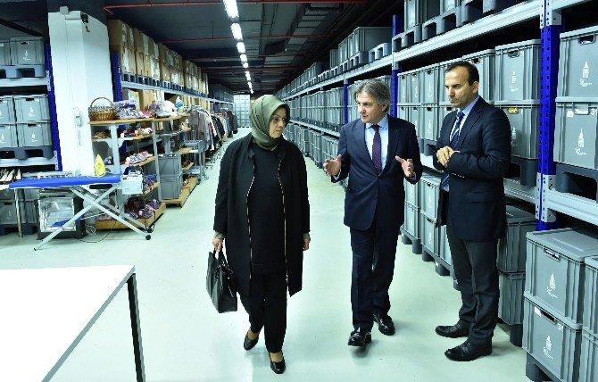 """Gazeteci-yazar Ayşe Böhürler: """"Sosyal Market Örnek Bir Proje"""""""