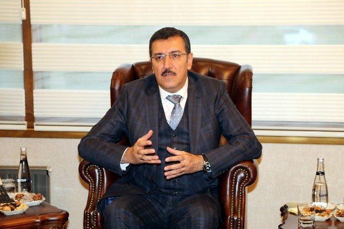 """Bakan Tüfenkçi: """"Kürt Halkının Vicdanlarında O Çukurlara Gömülecekler"""""""