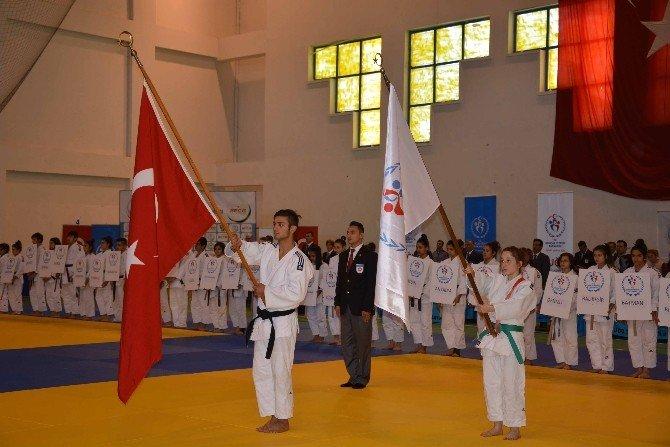 Okul Sporları Türkiye Judo Şampiyonası Başladı