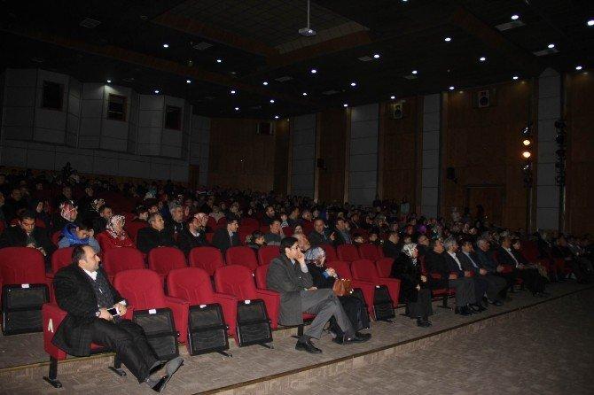 Öğrenci Velilerine Yönelik 'Mutlu Aile, Başarılı Çocuk' Konulu Konferans Düzenlendi