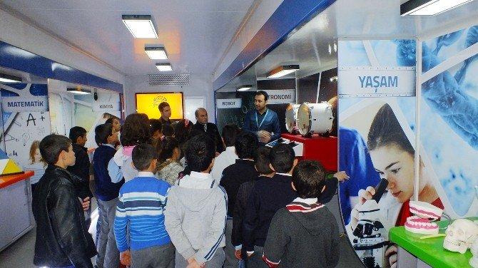 Mobil Bilgehaneler Ve Bilim Tırı On Binlerce Gence Ulaştı