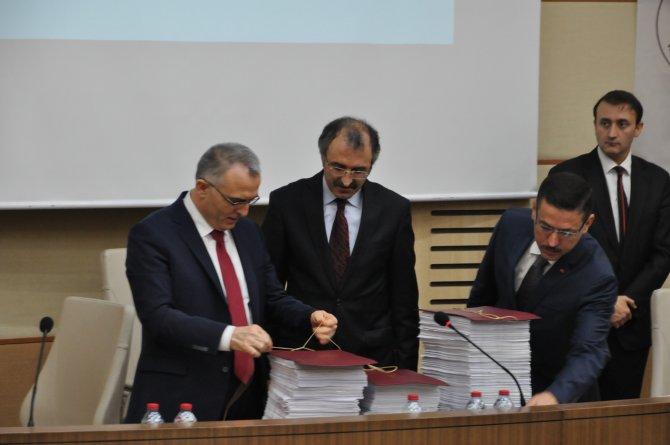 Maliye Bakanı Ağbal, 2016 bütçesini bağladı