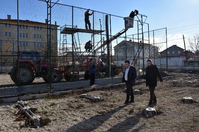 Başkan Ulaş Yurdakul Balabancık Halı Sahasını İnceledi