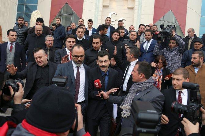 MHP'de imzayı teslim eden avukatların açıklama yapması engellendi