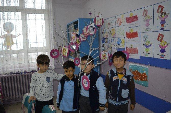 Bu Okulda Minik Öğrenciler İyilikte Yarışıyor