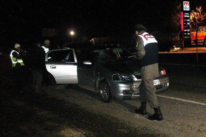 Karşıya Geçmeye Çalışan Tır Şoförüne Otomobil Çarptı