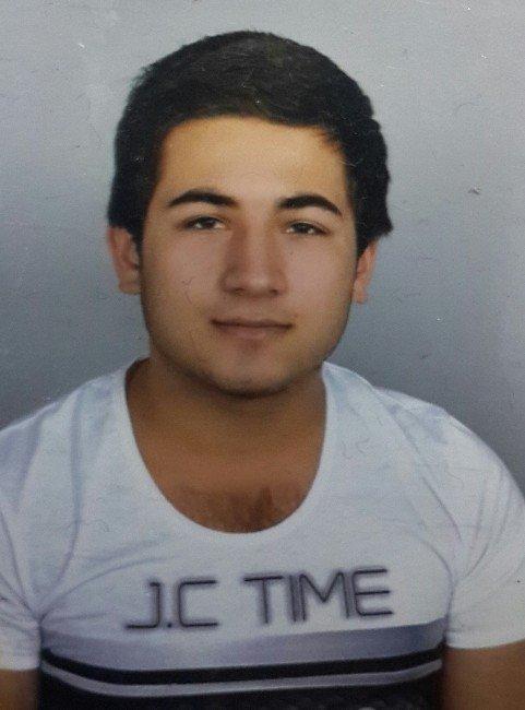 Arkadaşını Bıçakla Öldüren Genç Tutuklandı