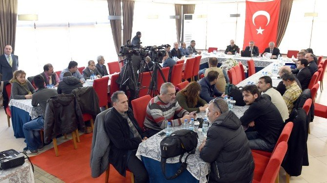 Vali Okur, 2015 Yılını Basın Mensuplarıyla Değerlendirdi