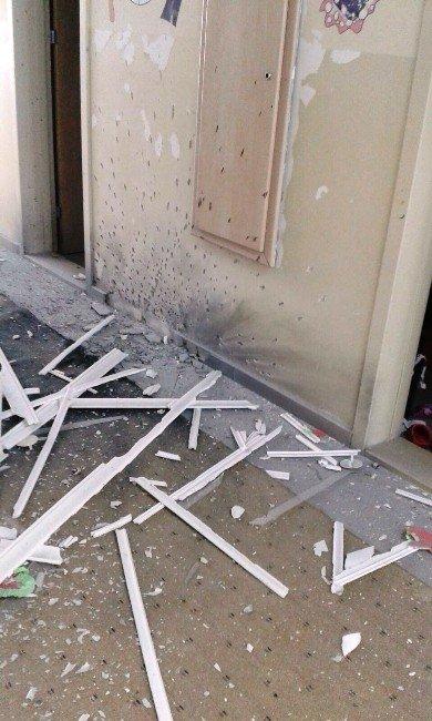 Van'da İlköğretim Okuluna Bombalı Saldırı