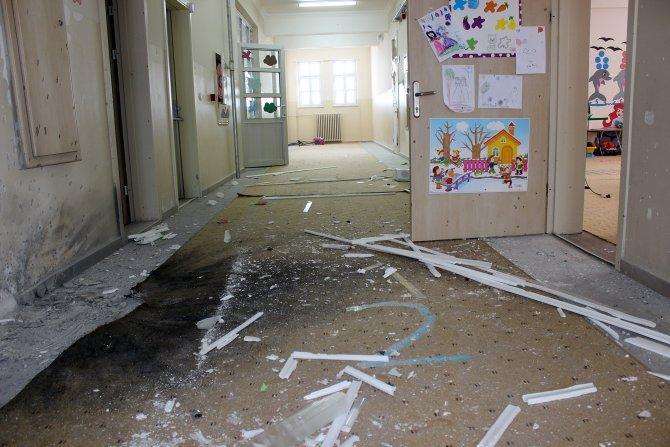 Van'da okula el yapımı bomba atıldı