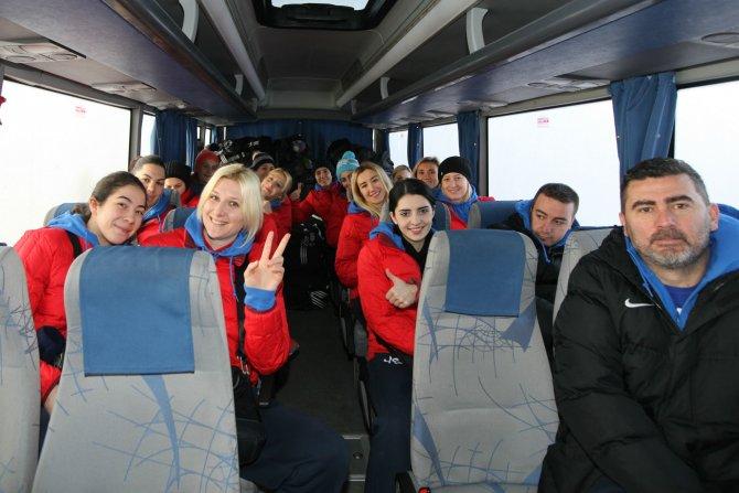 Yenimahalle Belediyesi Bayan Hentbol Takımı maç için Rusya'ya gitti