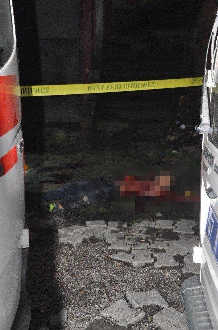 Kaçırmak İstediği Genç Kız Tarafından Bıçaklanarak Öldürüldü