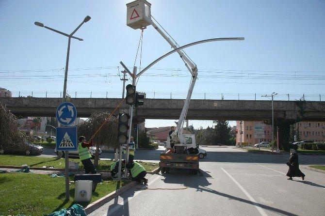 Büyükşehir'den Trafik Güvenliğine Ve Kent Estetiğine Katkı