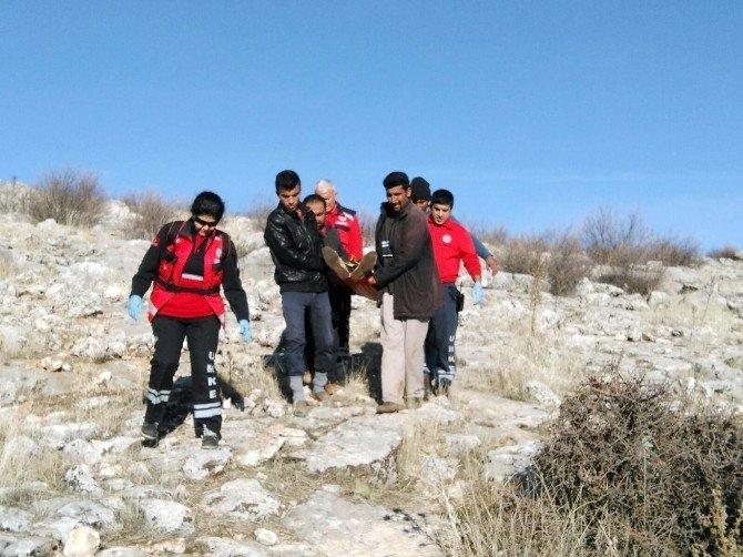 UMKE Ekipleri, Dağda Mahsur Kalan Köylüyü Kurtardı