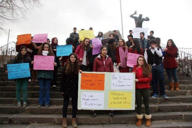"""Meslek Lisesi Öğrencileri """"Ek Puanların"""" Kaldırılmasını Protesto Etti"""