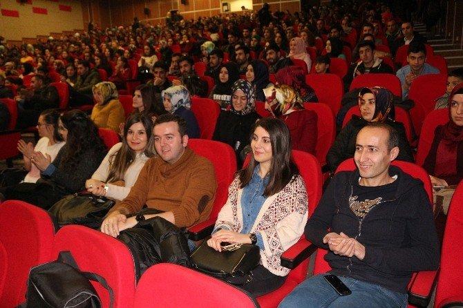 Ağrı'da İhtiyaç Sahibi Öğrenciler Yararına Konser