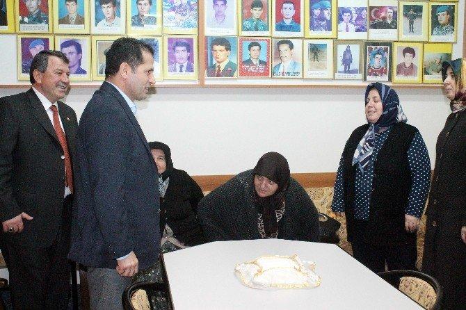 AK Parti'li Altunyaldız'dan Şehit Aileleri Derneğine Ziyaret
