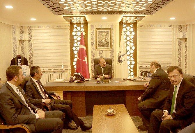 Başkan Orhan'da Prof. Dr. Akdağ'a Kentsel Dönüşüm Brifingi