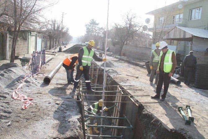 Kanalizasyon Hattı Yenileniyor