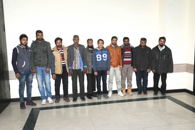 Azerbaycan'dan İran'a yasadışı yollardan geçmeye çalışan10 kişi yakalandı