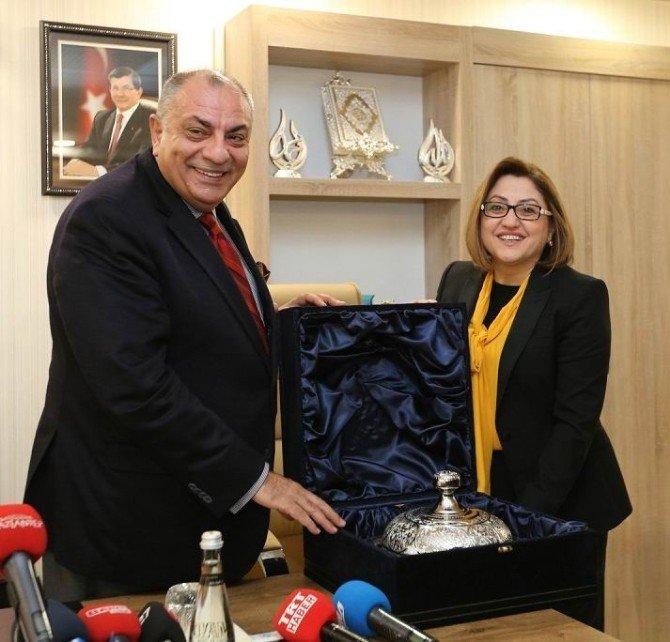 Başbakan Yardımcısı Türkeş'den Fatma Şahin'e Ziyaret