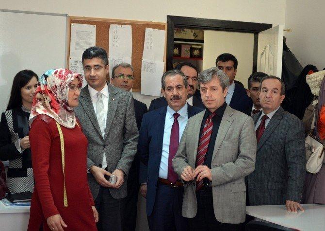 Vali Çınar, Adilcevaz'da İncelemelerde Bulundu