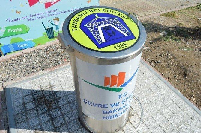 Tavşanlı Belediyesi, 8 Noktaya 3 Tonluk Yer Altı Çöp Konteynerı Monte Etti
