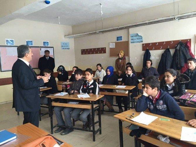 Muş'ta 4 Bin 330 Öğrenci Açık Öğretim Sınavına Girdi