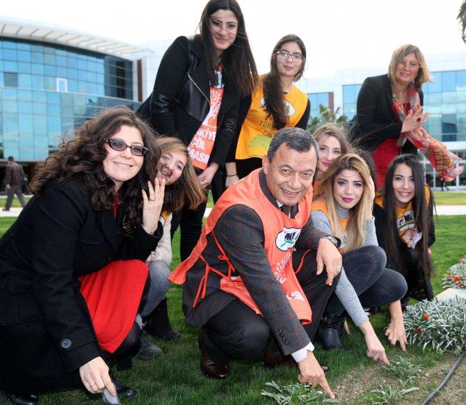 Gediz Üniversitesi ile TEMA, İzmir Kuş Cenneti için el ele