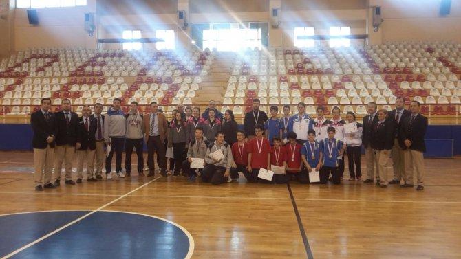 Özel Yesevi Anadolu Lisesi masa tenisinde Aydın'ı temsil edecek