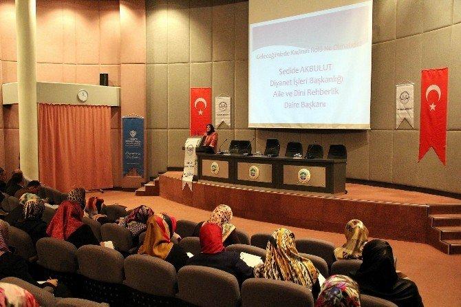 Aile İçi İletişim Rehberliği Eğiticileri Eğitimi Semineri Katılım Belgesi Töreni Düzenlendi