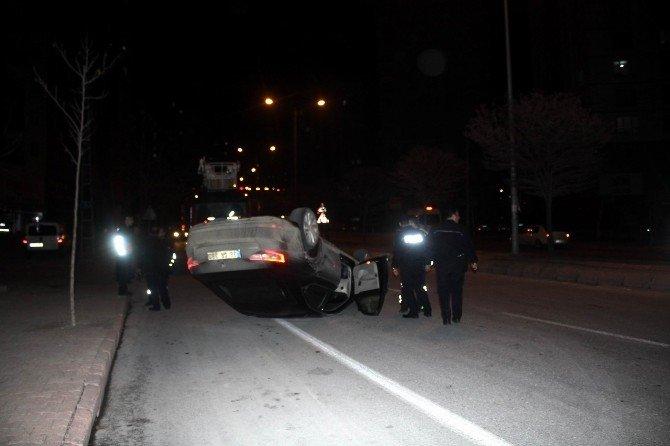 Park Halinde Duran Otomobile Çarptıktan Sonra Takla Attı