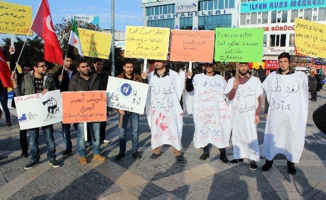 Suriyelilerden Kefenli Eylem