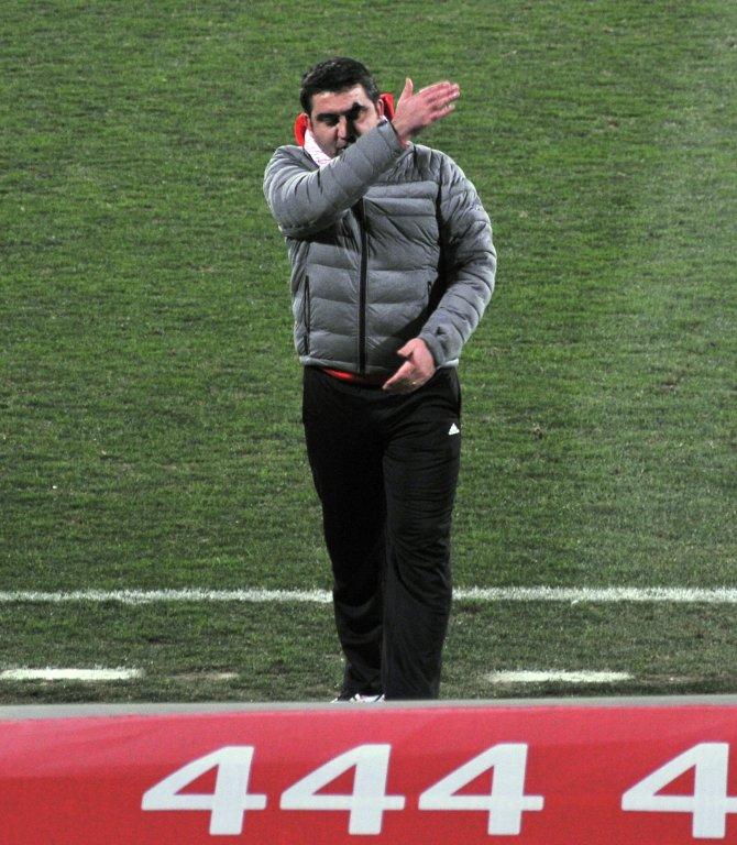 Samsunspor'da Teknik Direktör Ümit Özat istifa etti