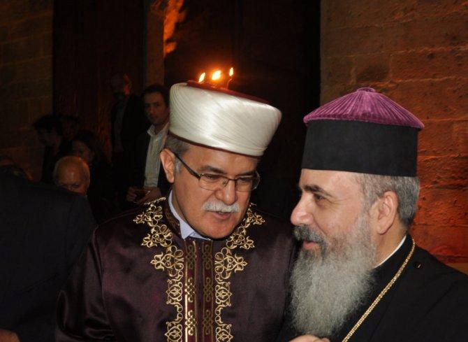 Nazım Hikmet, Kıbrıs'ı birleştirdi