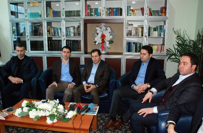 "AK Parti'li Çakır'dan ""Manşet"" Tepkisi"