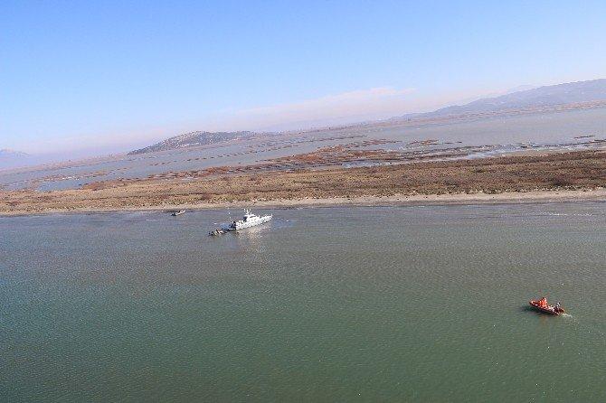 Karaya Oturan Yunan Sahil Güvenlik Botu, Türk Sahil Güvenlik Ekipleri Tarafından Kurtarıldı