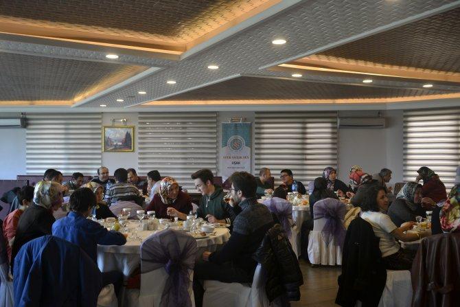Ufuk Sağlık-Sen Uşak Temsilciliği kuruluşunun 2. yılını pasta keserek kutladı