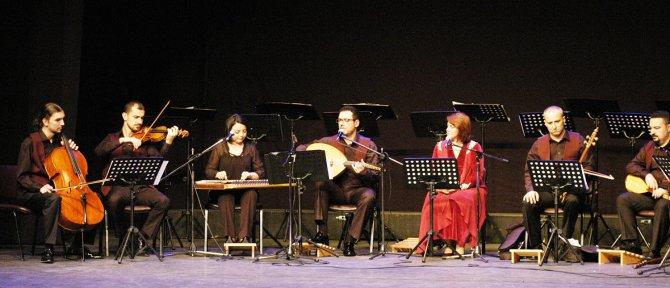 Uludağ Makam Topluluğu, Klasik Türk Müziği Korosuyla AVP sahnesinde
