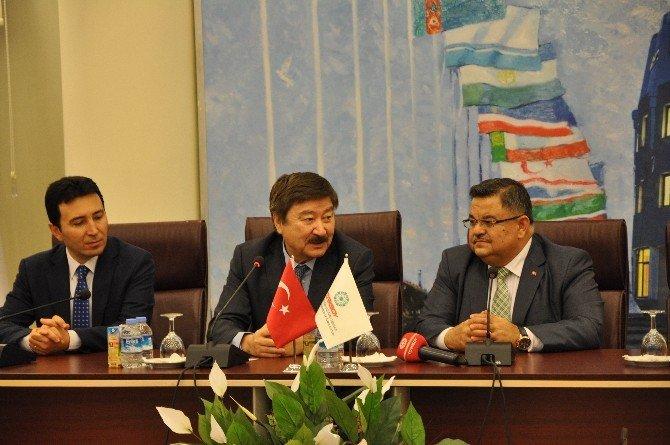 Kazakistan Cumhuriyeti Kültür Eski Bakanına Fahri Hemşehrilik Beratı Verildi