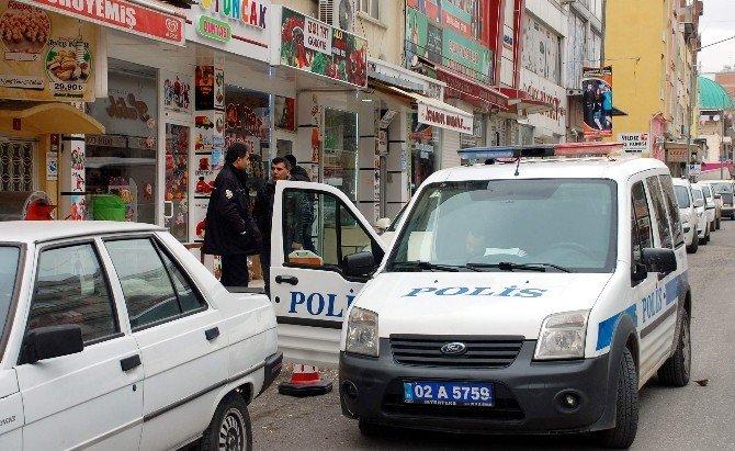 Hırsızlar Altı Bin TL Değerinde Tespih Çaldı