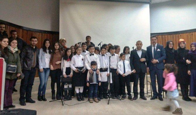Ortaokul Öğrencilerinden Türk Halk Müziği Konseri