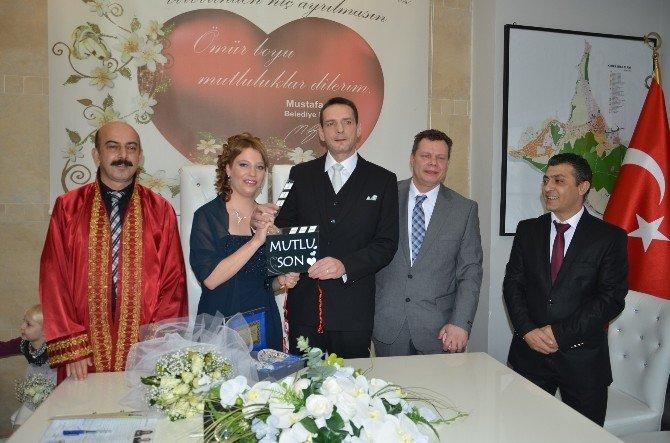 Alman Çiftin Aşkı Kemer'de 'Mutlu Son'la Bitti