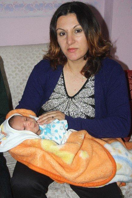 Doğumda Düşürülen Bebeğin Kolu Kırıldı