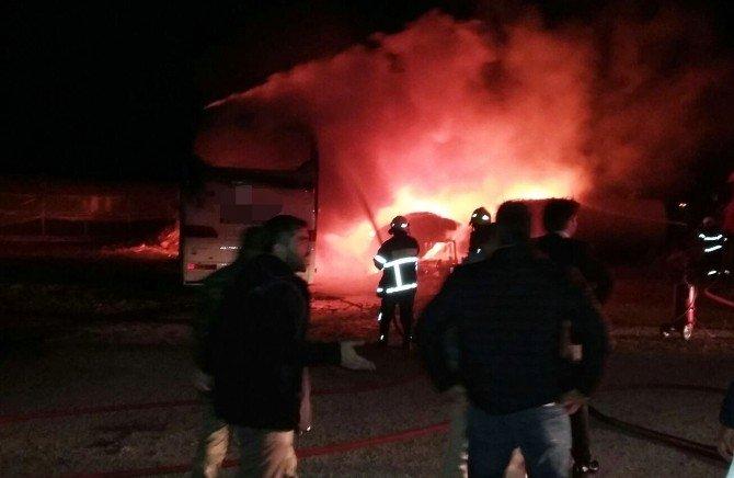 Manavgat'ta Otobüs Yangını