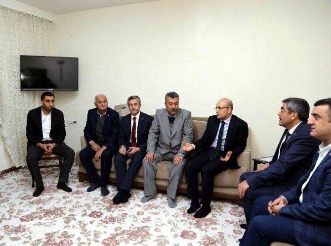 Başbakan Yardımcısı Şimşek'ten En Çok Oy Çıkaran Mahalle Temsilcisine Teşekkür