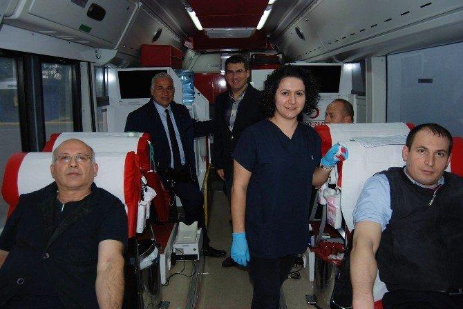 Tekstil Çalışanlarından Kan Bağışı